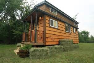 fyi network and tiny house nation tiny house hunting