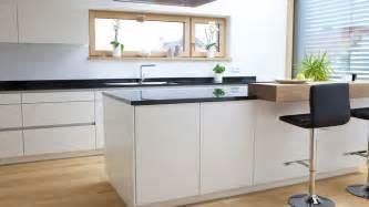 küchen arbeitsplatte sonoma eiche k 252 che k 252 che eiche und wei 223 k 252 che eiche und k 252 che eiche