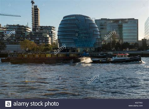 thames river cruise november river thames tug boat stock photos river thames tug boat