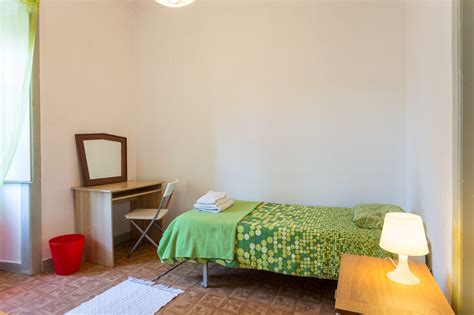 rent a room in lisbon bright room in great apartment in the city center room for rent lisbon