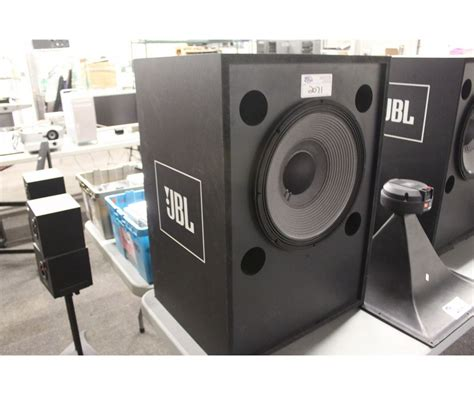 jbl professional series 4647a low frequency studio able