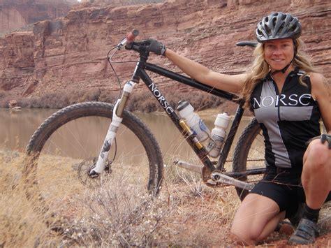 hot female mountain bikers chick on bike wallpaper wallpapersafari
