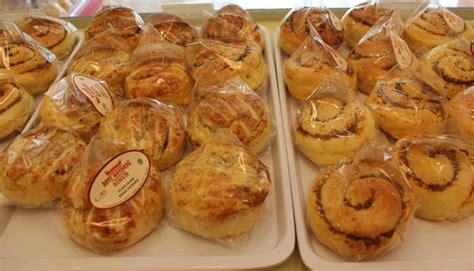 Rendang Sapi Asia Baru roti rendang oleh oleh baru dari padang travel tempo co