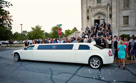 Wedding Limo Service by Types Of Wedding Shuttle Services And Costs Everafterguide
