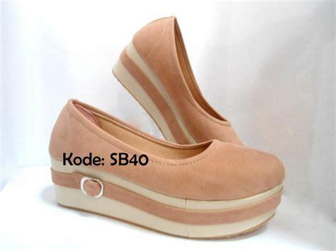 Sepatu Platform Wedges Wanita jual sepatu sandal wanita wedges shoes platform basic
