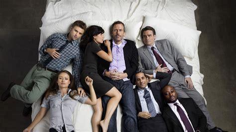 the cast of house 161 felicidades house cumple diez a 241 os desde su estreno series adictos