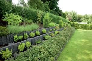 Planter Wall Blocks by Pflanzsteine Setzen Und Bepflanzen Gartengestaltung Ideen