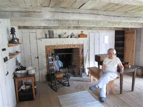 One Room Cottages by One Room Cabin Picture Of Benjamin Patterson Inn Museum