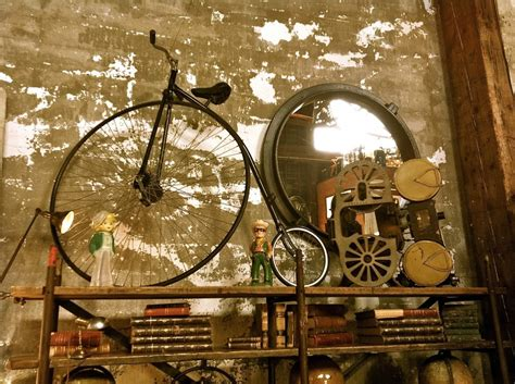 find a antique shop antiques collections around the