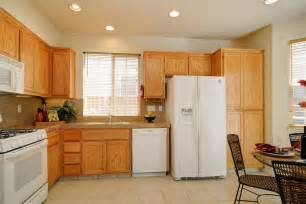 kitchen with cabinets kitchens with white appliances and oak cabinets kyprisnews