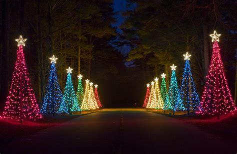fantasy  lights  callaway gardens  spectaular light  sound production featuring