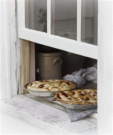 Pie On Window Sill Pies Cooling On The Window Sill All Things Vintage
