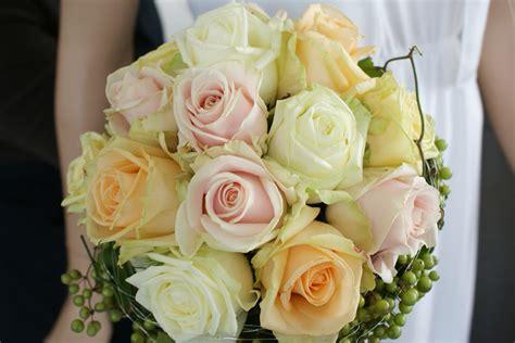 Ihre Hochheit by Rosenberg Blumenladen Hochzeitsschmuck