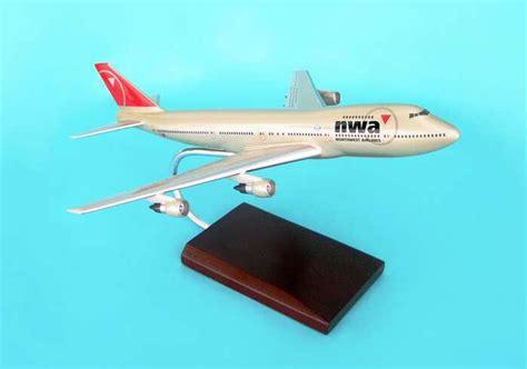 commercial plastic model airplanes northwest airlines nwa airplane models desktop display