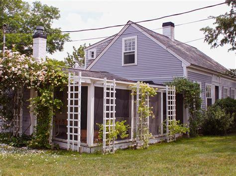 antique covered cottage steps homeaway orleans