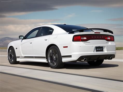 2013 srt charger dodge charger srt8 392 2013 car wallpapers 02 of