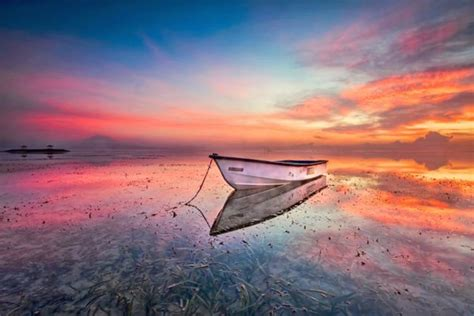 pemandangan indah laut penuh ketenangan  denpasar bali