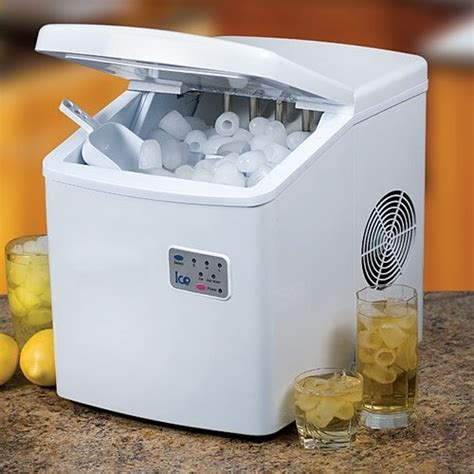 Countertop Crushed Maker by 35 Best Images About Portable Crushed Icemaker For The