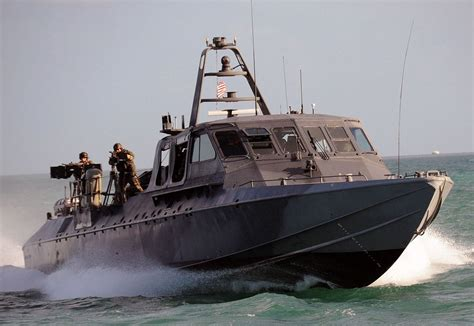 sea fox boats san diego 2 hurt when waves sw navy boat off san clemente island