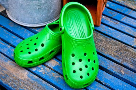 comfortable shoes for bad feet podiatrists warn crocs are bad for your feet footfiles
