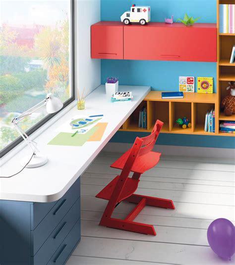 escritorios en dormitorios juveniles con muebles de