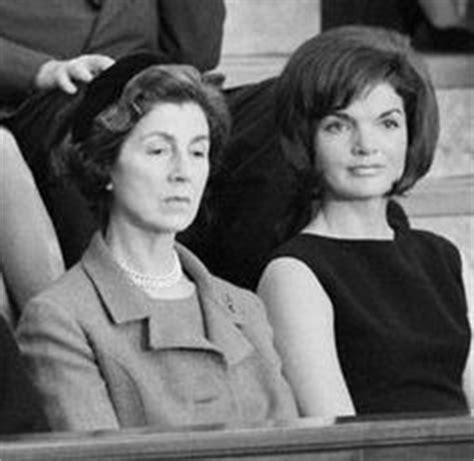 jackie janet the secret lives of janet auchincloss and daughters jacqueline kennedy onassis and radziwill books 1000 images about jackie on jackie kennedy