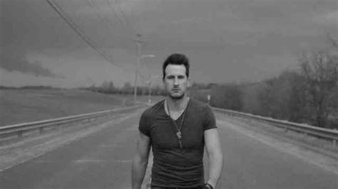 yours russell dickerson vevo yours russell dickerson vevo