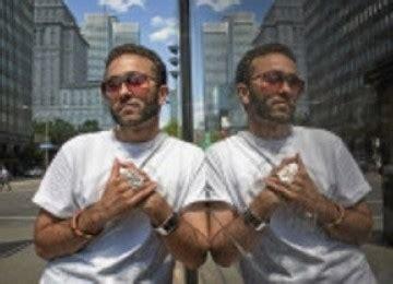Kaos Souvenir Kanada seniman muslim kanada pilih cara asik lewat karya demi