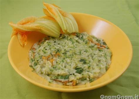 risotto con fiori di zucca bimby risotto alle zucchine e fiori di zucca la ricetta di