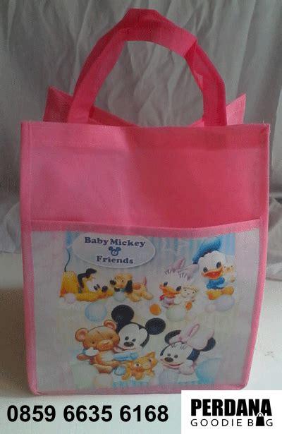 Tas Souvenir Ultah Anak Baby Shark goodie bag ultah anak tas ulang tahun anak souvenir