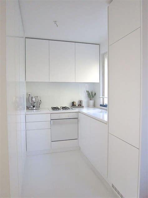 1000  ideas about Small White Kitchens on Pinterest