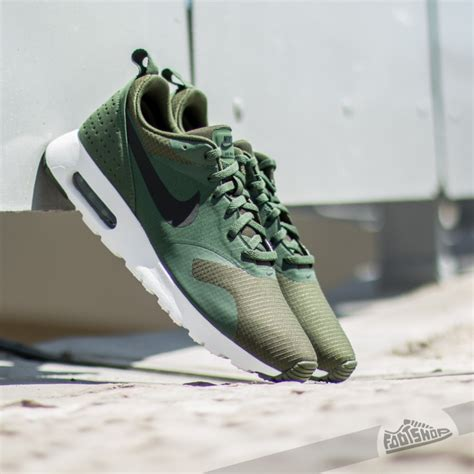 Nike Airmax 9 0 Black Green nike air max tavas carbon green black black white