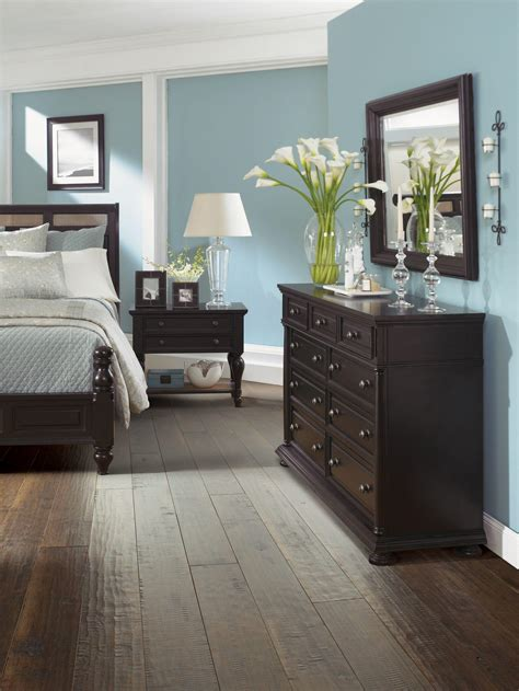 bedroom color dark furniture  style