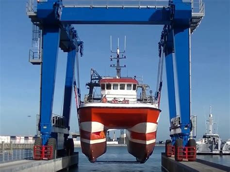 electric boat lift for sale 25 ton marine travel lift for sale is a small and light