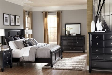 Black Furniture Bedroom New Home Interior Design Ideas Chronus Imaging.com Luxurious Style
