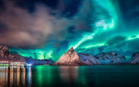 aurora borealis mountain night sky