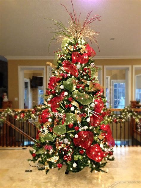 red white and green christmas tree holidays pinterest