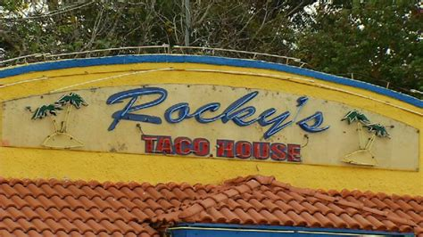 rockys taco house employees not washing their hands gets a taco place in trouble with the health