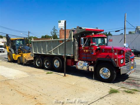 mack dump truck mack dump trucks gallery 5 heavy equipment truck photos