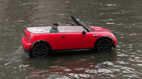 boat r up mini cooper boat sails up chicago river youtube