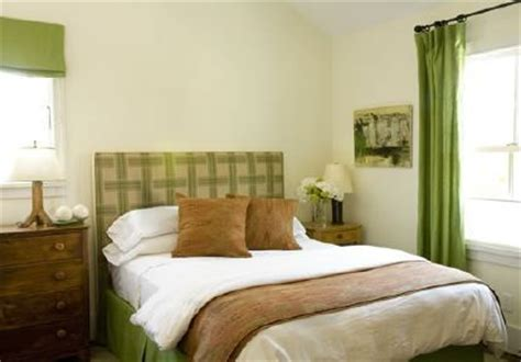 Brown And Green Bedroom by Green White Brown Bedroom I M Not About The