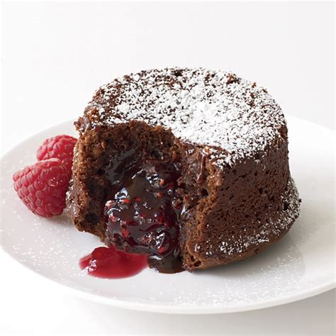 chocolate raspberry molten chocolate cake with raspberry filling recipe