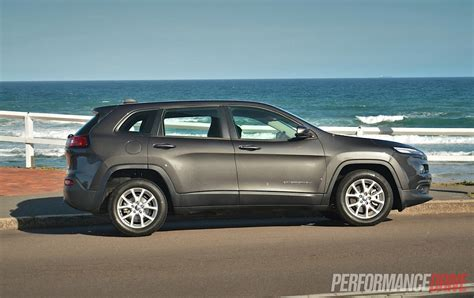 sports jeep cherokee 2014 jeep cherokee sport review video performancedrive