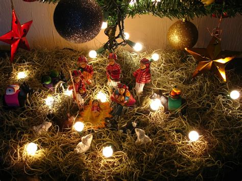 collections of guatemalan christmas decorations to buy