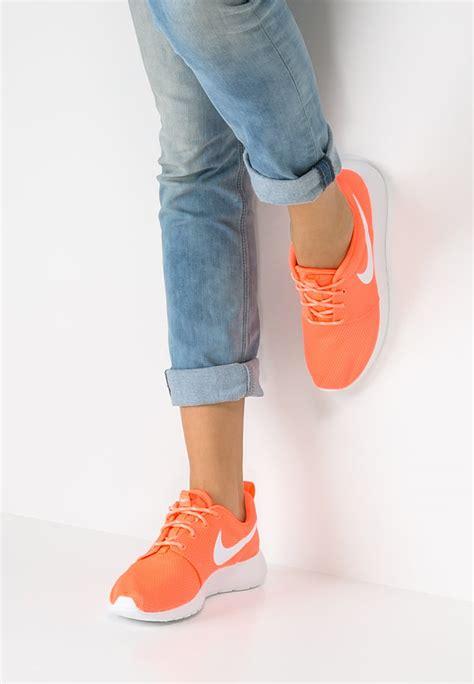 ginnastica da ufficio scarpe da ginnastica in ufficio