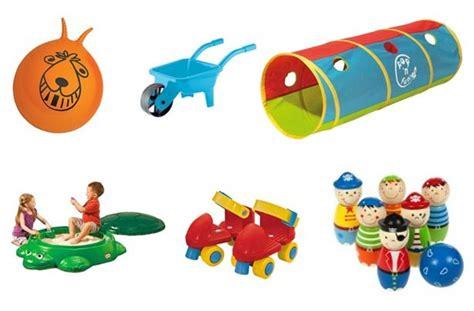 Garden Toys by 50 Cheap Outdoor Toys For Summer Goodtoknow