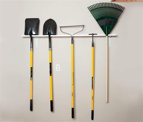 Landscape Tool Rack by How To Build A Garden Tool Rack In 5 Easy Steps Diy