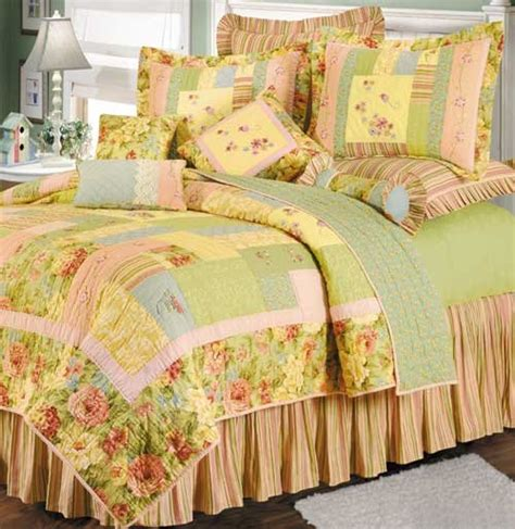 discount quilts and coverlets garden melody quilt and bedspread