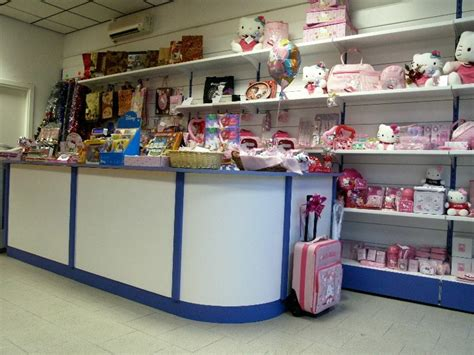banchi per negozi arredo per negozi banchi vendita castellani it