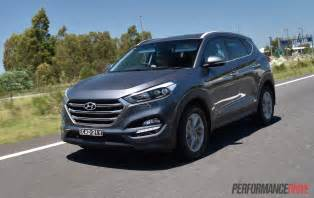 Hyundai Tucson Diesel 2016 Hyundai Tucson 1 6t Petrol Vs Crdi Diesel Comparison